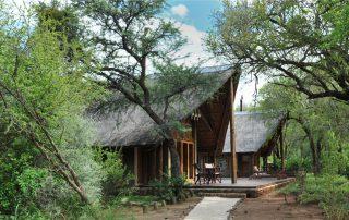 Black-Rhino-Game-Lodge-Suite-Exterior