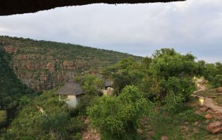 Clifftop-Exclusive-Safari-Hideaway-Exterior-View-of-Suit