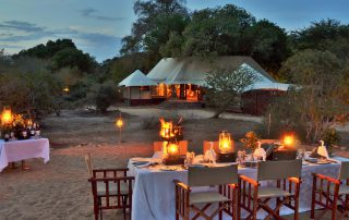 Hamiltons-Tented-Camp-Boma-dinner