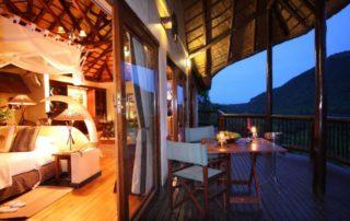 Mkuze-Falls-safari-suite-deck