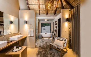 Sabi-Sabi-Little-Bush-Camp-Suite-Bathroom