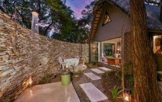 Sabi-Sabi-Selati-Camp-Luxury-Suite-Outdoor