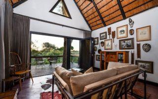 Sabi-Sabi-Selati-Lodge-LM-Suite-lounge