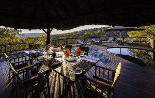 tshwene-Dining-on-Deck