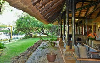 Bakubung-Bush-Lodge_Exterior_Reception-and-Garden
