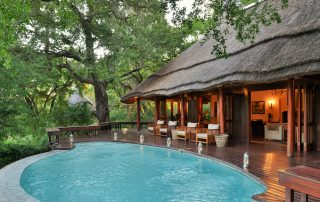 Imbali-Safari-Lodge-Deck
