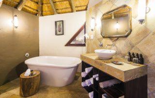Bongani-Mountain-Xscape4u-Bathroom-Greater-Kruger