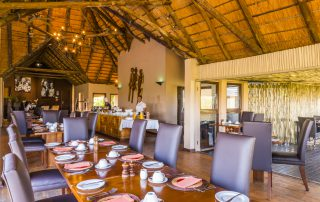 Bongani-Mountain-Xscape4u-Dining-room-Greater-Kruger