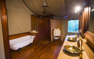 Thakadu-River-Lodge-Tented-Bathroom