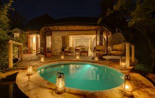 Tintswalo-Safari-Baker-Suite-plunge-poo