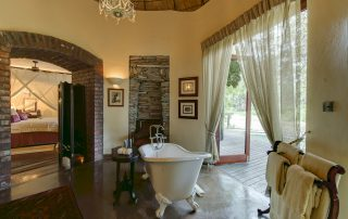 Tintswalo-Safari-Burton-Suite-Bathroom
