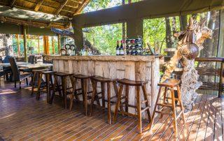 Thakadu-River-Lodge-Bar