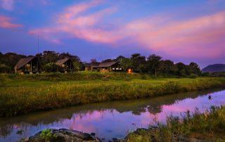 Amakhosi-Safari-Lodge-from-across-the-river