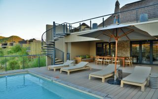 Bakubung-3_Exterior_Pool-Deck-and-House