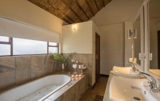 karongwe-Becks-Safari-Bathroom
