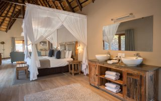 Arathusa-Safari-Lodge - bedroom