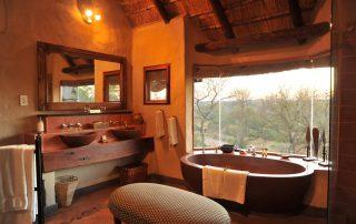 Lukimbi-Classic-Suite-Bathroom