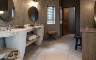 Lush Luxury suite bathroom