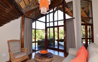 Amakhosi-safari-Suite-lounge