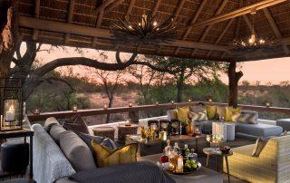 RockFig-Safari-Lodge_Drinks-on-deck