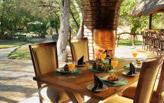 Idube-Lunch-on-veranda-PKP