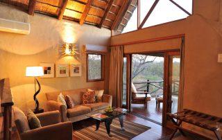 Lukimbi-Classic-Suite-Lounge