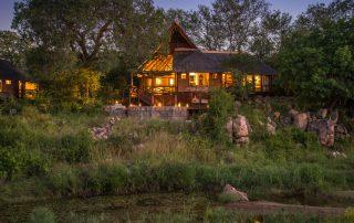 Lukimbi-Safari-Lodge-Premier-Suite