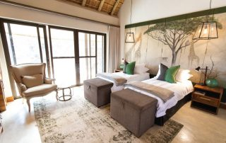 Camp-George-Simbavati-Suite-bedroom-twin
