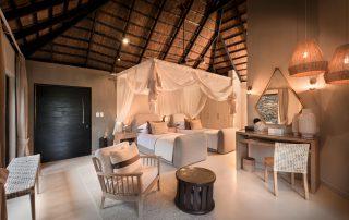 Lion-Sands-_River-Lodge__-Luxury-Suite_Twin-Bedroom