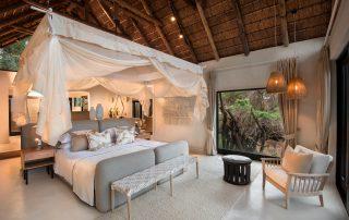 Lion-Sands-_River-Lodge__Superior-Luxury-Suite_Bedroom-Interior