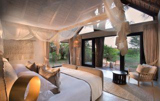 Lion-Sands-_River-Lodge_Superior-Luxury-Suite_Bedroom-View