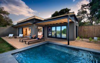 Lion-Sands-_River-Lodge_River-Suite_Deck-Pool-Area