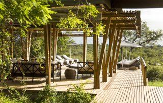 Simbavati-Hilltop-lodge-Viewing-dec