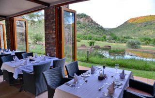 Kwa-Maritane-Bush-Lodge_Restaurant_Downstairs