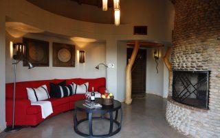 Thanda-Safari-Lodge-Suite-Main-Lounge