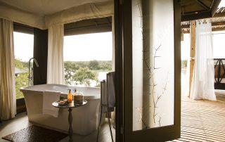 Simbavati-hilltop-lodge-Bathroom