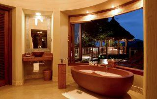 Thanda-Safari-Lodge-Bush-Villa-Bathroom