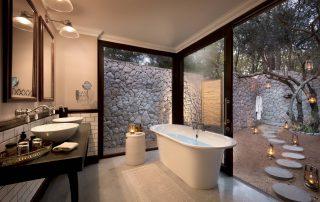 Cottage-Bathroom-of-andBeyond-Ngala-Safari-Lodge-cottage
