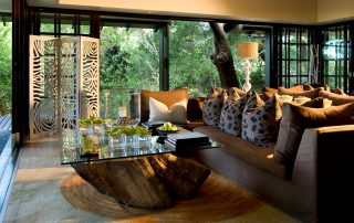 Indoor-guest-area-at-andBeyond-Phinda-Forest-Lodge