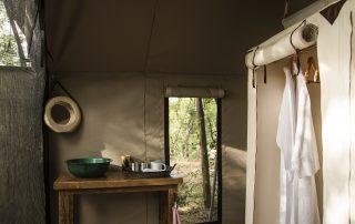 Simbavati-trails-camp-Washroom