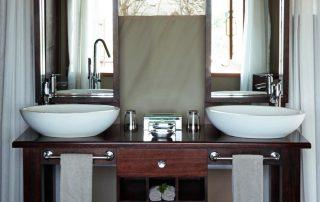 Thanda-Tented-Camp-Bathroom