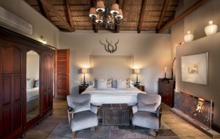 Bedroom-of-Family-Suite-at-andBeyond-Ngala-Safari-Lodg