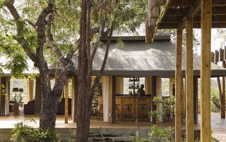 Simbavati-hilltop-lodge-Bar.