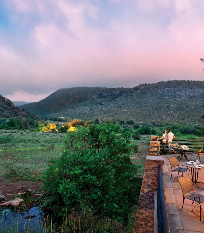 Kwa-Lefakeng-Restaurant-Terrace