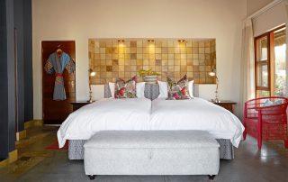 Jacis-Sabi-House-Xscape4u-Twin-room-bedroom-Sabi-Sand-Game-Reserve