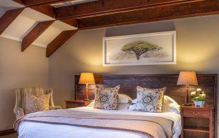 Olivers-Luxury-Loft-Room-09