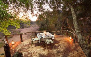 Garonga-Safari-Xscape4u-main-Lodge-outdoor-dining-Makalali-game-reserv