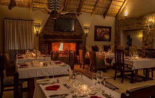 Umzolozolo-Xscape4u-dining-area-Nambiti-Game-Reserve