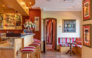 Olivers-Bar