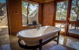 Little-Garonga-Xscape4u-Bathroom-Makalali-Game-reserve
